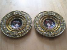 2 plats décoratif ancien en cuivre repoussé et faïence .