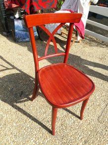 Chaise rouge bordeaux en bois neuves style bar à vin