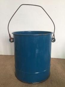 Seau émaillé bleu