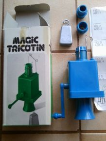 MAGIC TRICOTIN  automatique à manivelle des années 70