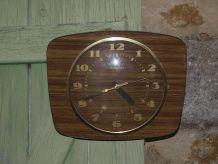 Horloge murale formica Vintage Trophy transistor