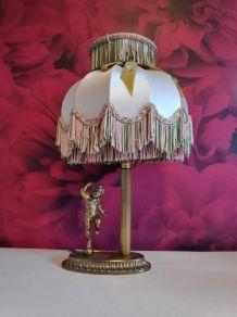 lampe angelot avec abat-jour à franges d'époque