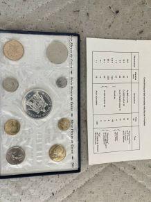 Monnaie de Paris fleurs de coins  1974