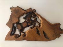 Sculpture murale cheval en bois