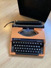 Machine à écrire vintage orange