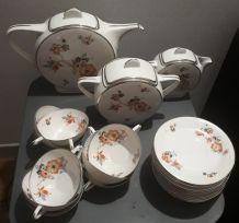 service porcelaine de limoges art deco 23 pieces   1 caftier