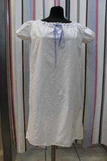 ancienne chemise de nuit en coton et dentelle