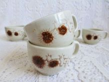 Tasses à café / pot à lait grés émaillé décor floral chardon