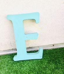 """Lettre d'enseigne «E"""""""