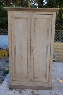 Ancienne petite armoire en pin patiné,  2 portes
