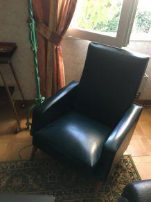 2 fauteuils vintage simili cuir vert année 50/60
