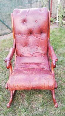 Véritable Rocking chair Chesterfield a restauré