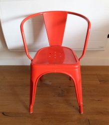 TOLIX 3 fauteuils et 1 chaise.