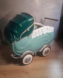 Landeau de poupée vintage 1940 a 50       ; h70x80x45 jouet