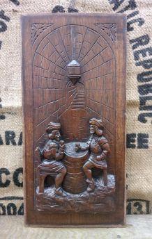 Ancien panneau en bois sculpté - Scène de taverne