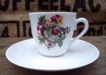 10 tasses à café et soucoupes en porcelaine de Chauvigny