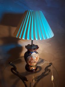 lampe asiatique  richement decorer 1960    tres belle 54x30