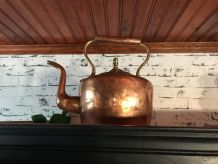 Ancienne bouilloire en cuivre