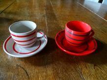 Duo de petites tasses colorées et assorties