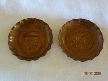 2 moules à tartelettes figurines vieux breton vieille breton