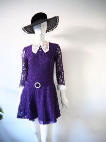 Robe mini en dentelle violette col Claudine Mod vintage 60's