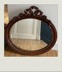 Miroir ancien ovale, en bois sculpté