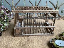 Petite cage en bois naturel