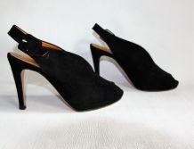 Elégantes chaussures à talons. Marque La Scarpa Italie.