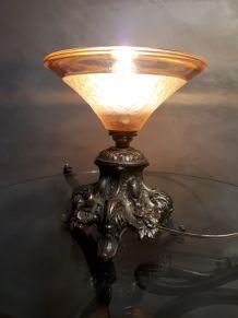 petite  lampe en regule doré  1930 a 40  avec inter ,et  ver