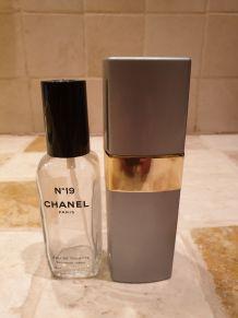 Etui et recharge Chanel 19 année 90 50ml état parfait