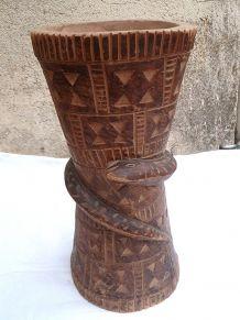 vase , mortier sculpté, africain