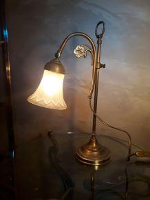 lampe de bureau laiton 1900  a 30  belle patine   avec sa tu