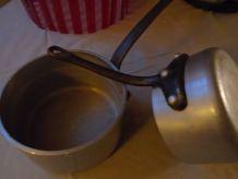 2 casseroles en aluminium épais