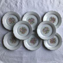 8 Assiettes à dessert - en porcelaine