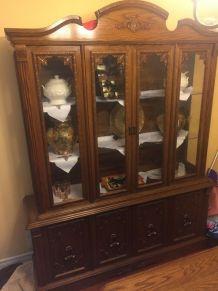 Ensemble vintage de salle à manger et armoire en bois massif