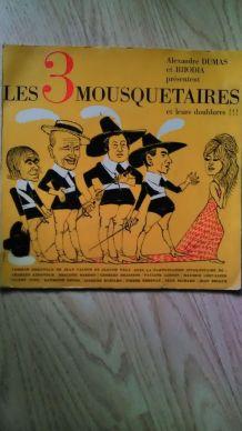 """Vinyle """"les 3 mousquetaires 45T"""