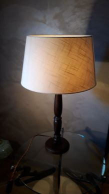 grande lampe pied tourné chene teinté ébène 1970  abat jour