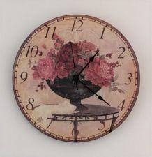 Pendule horloge à motif de roses