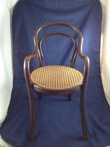 ancien fauteuil d'enfant FISCHEL