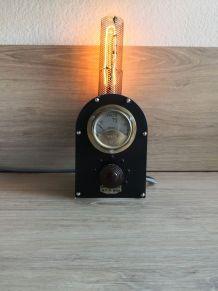 Lampe industrielle Voltmètre