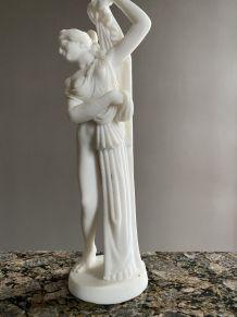 Statue marbre blanc