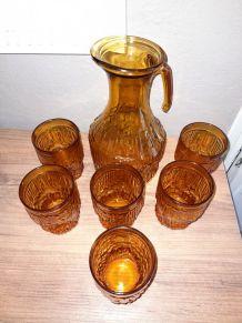 Service à orangeade, couleur ambre, vintage à souhait !