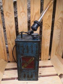 Lampe industrielle bidon d'essence des frères desmarais