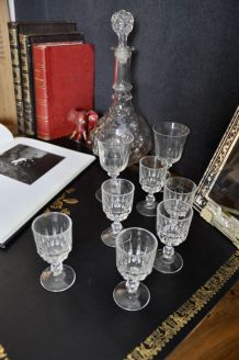 Série de 12 verres à liqueur