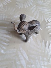 Éléphant en coquille d huitres