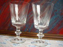 Deux anciens verres en cristal