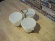 3  boite avec couvercles  Tupperware
