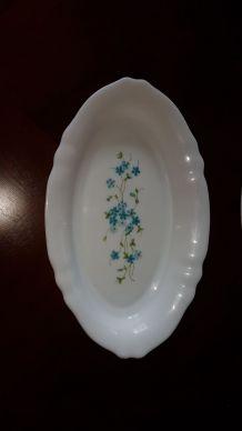 2 assiettes plates vintage Arcopal fleurs bleues