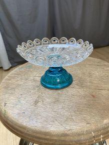 Coupe en verre sculptée pied bleu