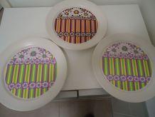 3 assiettes plates vintage modèle love
